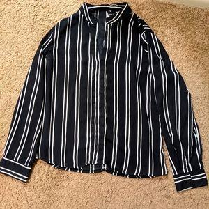 Windsor Medium black and white striped long sleeve